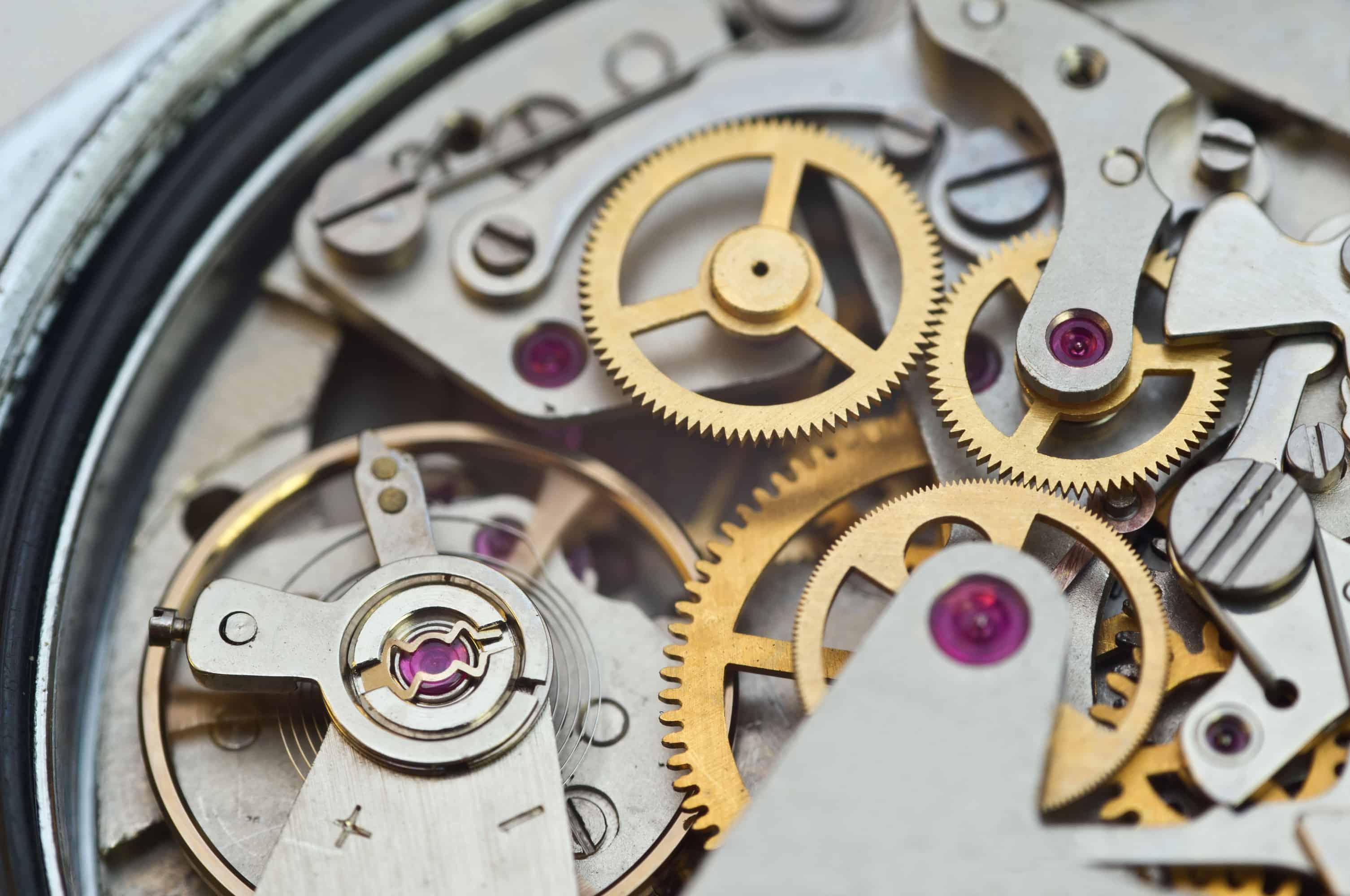 Uhrwerk als beispielhafte Darstellung der OKR-Methodik